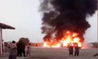حب، مسافر بس اور آئل ٹینکر تصادم میں ہلاکتوں کی تعداد 27 ہو گئی