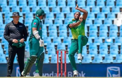 پاکستان کا جنوبی افریقہ کو جیت کیلئے 241 رنز کا ہدف