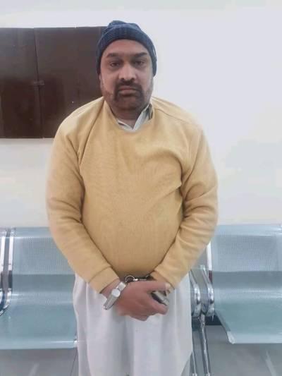 سینئر صحافی رضوان رضی کو عدالت میں پیش کردیا گیا