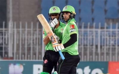 پی ایس ایل فور : لاہور قلندرز نے سنسنی خیز مقابلے کے بعد ملتان سلطانز سے فتح چھین لی