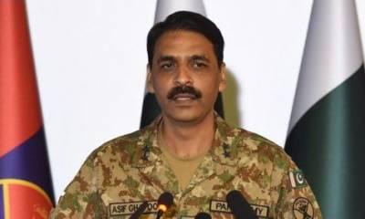 پاکستان کے زیر حراست بھارت کا ایک پائلٹ ہے، ترجمان پاک فوج