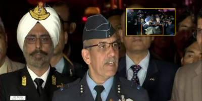بھارتی فضائی ، نیوی اور بری فوج کے سربراہ میڈیا کے جوابات دینے میں بری طرح ناکام