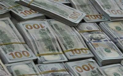 ڈالر 12 پیسے مہنگا، سٹاک مارکیٹ میں 132 پوائنٹس کا اضافہ