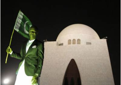 پشاور زلمی کے کپتان ڈیرن سیمی کی مزار قائد پر حاضری