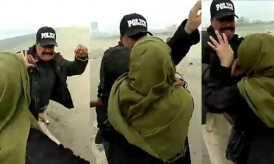 کراچی: سی ویو پر میاں بیوی کو ہراساں کرنیوالے 3 پولیس اہلکار برطرف