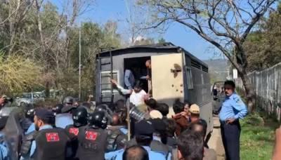 نیب ہیڈ کوارٹر جانے کی کوشش, پیپلز پارٹی کے درجنوں کارکنان گرفتار