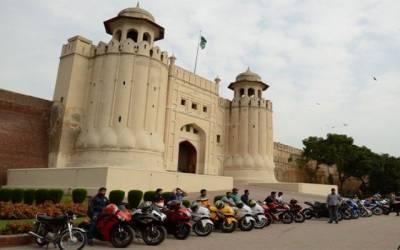 یوم پاکستان کے موقع پر ہیوی بائیک ریلی ، معمر رانا سمیت 180 بائیکرز کی شرکت