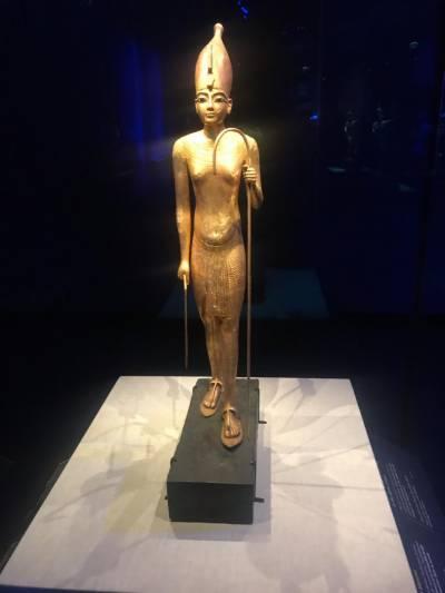 """مصر کے نوجوان فرعون"""" توت عنخ آمون"""" کی پیرس میں نمائش"""