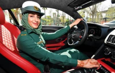 دبئی میں خواتین پیٹرولنگ آفیسر کو فراہم کی جانے والی مہنگی ترین گاڑیاں