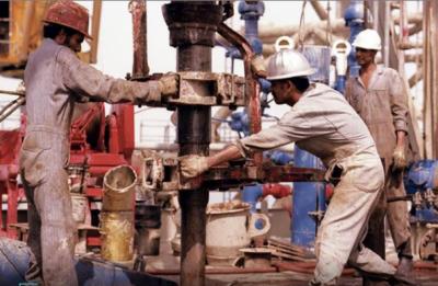 تیل کی فروخت ڈالر میں جاری رہے گی ،سعودی وزیر تجارت