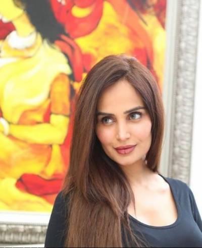 پاکستانی ماڈل مہرین سید بیٹے کی ماں بن گئیں