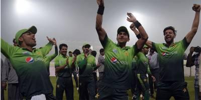 ورلڈ کپ اور دورہ انگلینڈ کیلئے پاکستان ٹیم کا اعلان