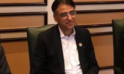 اسد عمر نے وزیر اعظم کی آفر ٹھکرا دی، کراچی روانہ