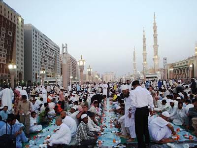 مسجدنبوی میں افطاری دسترخوان، اجازت ناموں کا اجرا
