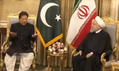 وزیراعظم عمران خان کو ایران کے صدارتی محل میں گارڈ آف آنر پیش کیا گیا