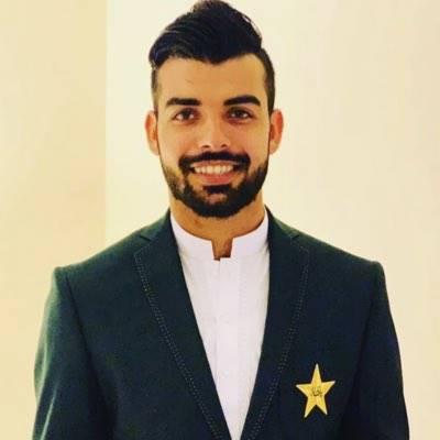 شاداب خان ہیپاٹائٹس کا شکار،دورہ انگلینڈ سے باہر،ورلڈ کپ میں شرکت مشکوک