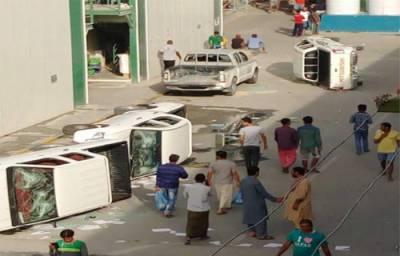 قطر میں تنخواہ نہ ملنے پر ملازمین کا احتجاج، ہنگامہ اورتوڑ پھوڑ