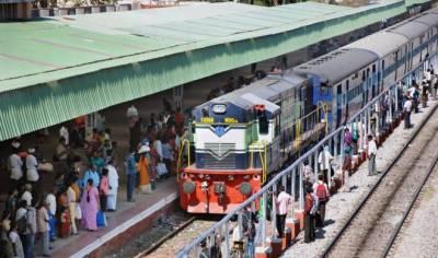 بھارت میں دہلی سمیت دیگر ریلو ے سٹیشنوں کو بم سے اڑانے کی دھمکی،سکیورٹی ہائی الرٹ