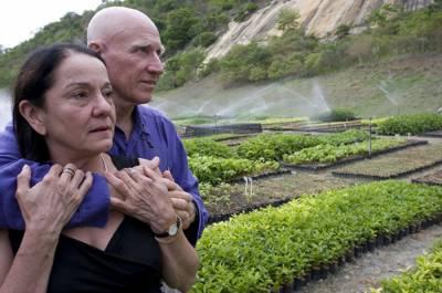 برازیلی جوڑے نے 27 لاکھ درخت لگا کر ریگستان کو جنگل بنادیا