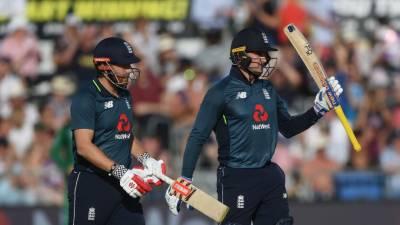 انگلینڈ نے پاکستان کو تیسرے ون ڈے میں 6 وکٹوں سے شکست دیدی