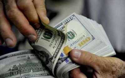 وزیراعظم کا زائد قیمت پر ڈالر فروخت کرنیوالی کمپنیز کیخلاف کارروائی کا حکم