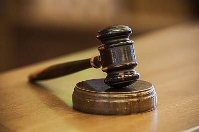 فیصل آباد میں جج کو کرسی مارنے کی سزا ساڑھے 18سال 6 ماہ قید کی سزاکا حکم