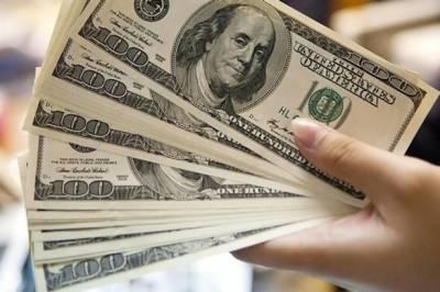 انٹربینک میں ڈالر 15 پیسے مہنگا، سٹاک ایکسچینج میں مندی کا رجحان