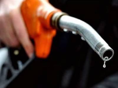 حکومت کا عید سے قبل پٹرول کی قیمتوں میں بارہ روپے فی لیٹر اضافے پر غور
