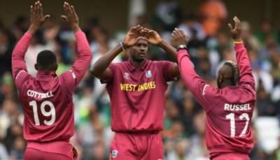 ویسٹ ایڈیز نے پاکستان کو یک طرفہ مقابلے میں 7 وکٹوں سے شکست دےدی