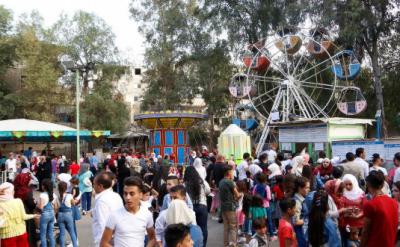 عیدالفطر کے دوسرے روز بھی عید کے رنگ مہکنے لگے