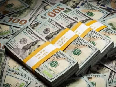 انٹر بینک میں روپے کے مقابلے میں ڈالر کی قدر میں مزید اضافہ ہو گیا