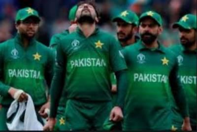 انگلینڈ کی فتح کے بعد پاکستان کرکٹ ٹیم کے کیمپ میں مایوسی چھا گئی