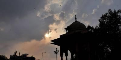 لاہور میں شدید گرمی کے بعد موسم خوشگوار ہو گیا