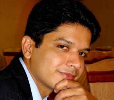 کراچی میں فائرنگ کا واقعہ ، نجی ٹی وی سے وابستہ نیوز اینکر مرید عباس جاں بحق