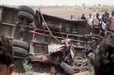 سانگھڑ، بس اور رکشہ میں ٹکر، 8 افراد جاں بحق