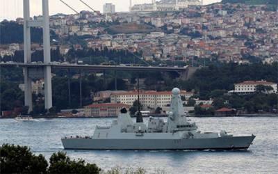 برطانیہ نے اپنا جنگی بحری جہاز ایرانی پانیوں کی جانب روانہ کر دیا