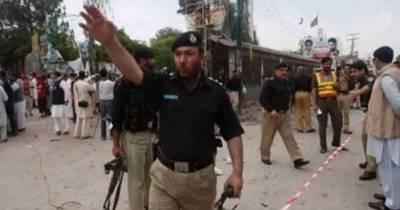 ڈی آئی خان:ڈسٹرکٹ ہسپتال اور چیک پوسٹ پر دہشتگردوں کا حملہ،5 پولیس اہلکار شہید