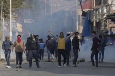 مقبوضہ کشمیر: عوام تمام تر رکاوٹوں کو توڑ کر سڑکوں پر نکل آئے