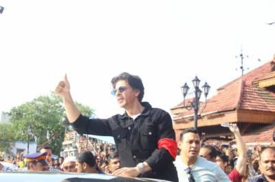پاکستان دشمنی میں شاہ رخ خان نے بھی انٹری دیدی