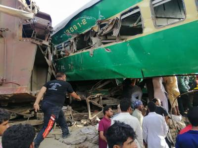 ریلوے کی غفلت: اناڑی ڈرائیور رحمان بابا ایکسپریس حادثے کا ذمہ دار نکلا