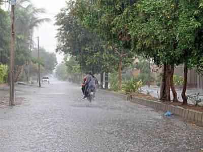 ملک کے مختلف علاقوں میں وقفے وقفے سے بارش، خنکی میں اضافہ