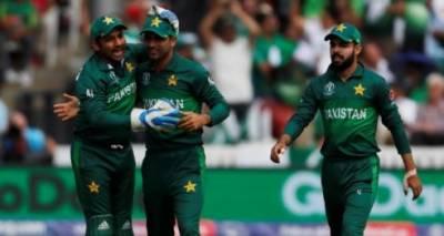 سری لنکا کی پاکستان کے خلاف بیٹنگ جاری