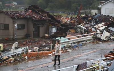 جاپان کی تاریخ کا خطرناک طوفان ٹوکیو سے ٹکرا گیا، عمارتوں کی چھتیں اڑگئیں