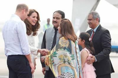 شاہی مہمانوں کی لاہور آمد، گورنر اور وزیر اعلیٰ پنجاب کی جانب سے پُرتپاک استقبال