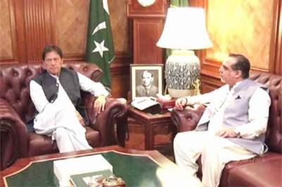 وزیراعظم کی ایک روزہ دورے پر کراچی آمد، گورنر سندھ کی ملاقات