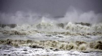 بحیرہ عرب میں بننے والے طوفان 'کیار' سے کراچی کی ساحلی پٹی بھی متاثر