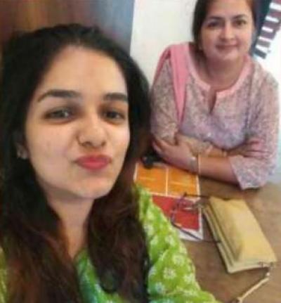 والدہ کے لیے دولہے کی تلاش ، بھارتی لڑکی کی ٹویٹ وائرل ہوگئی