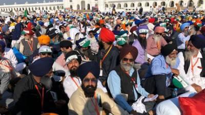 سکھ مذہب کے روحانی پیشوا بابا گورونانک کے 550ویں جنم دن کی 3 روزہ تقریبات جاری