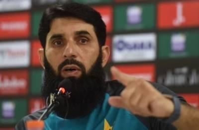 مصباح الحق کی تعیناتی سے قومی ٹیم بہتری کی طرف جائے گی: عمران خان