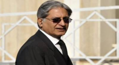 آرمی چیف کی تعیناتی وزیر اعظم کا حق ہے:اعتزاز احسن